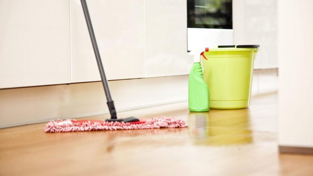 ТОП 7 лучших средств для мытья полов: какие бывают, особенности выбора, отзывы