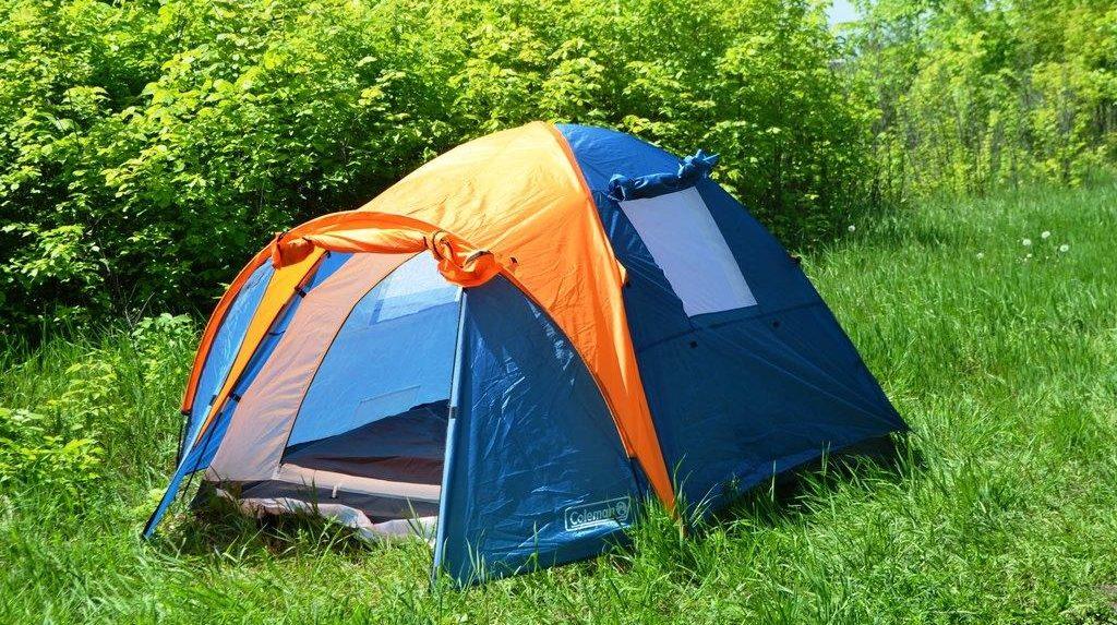 палатка для туристов